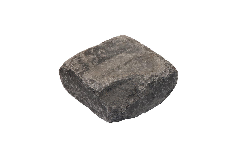 Ganzer Stein mit ausgeschlagener Kante
