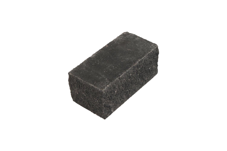 Halber Stein mit Kopf